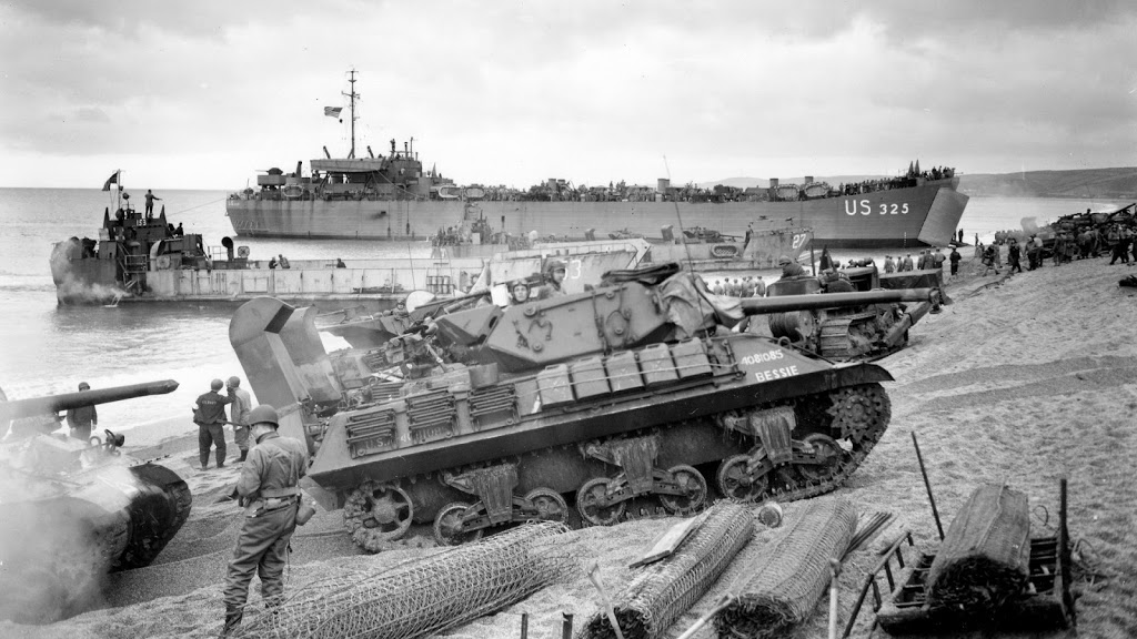 soldiers-war-guns-army-tanks-US-Marines-Corps-US-Army-soldat-World-War-II-monochrome-M-10-Wolverine-_129259-26
